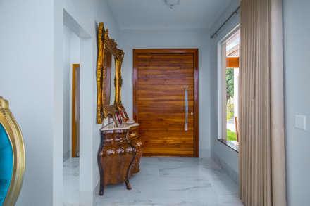 Residência E&A: Corredores, halls e escadas modernos por Daniele Galante Arquitetura