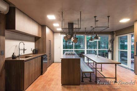 industrial Kitchen by Ronald T. Pimentel Fotografia