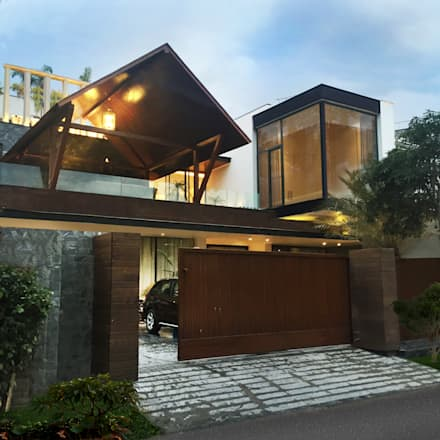 bedi residence: modern Houses by 23DC Architects