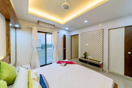 Penthouse 401: eclectic Bedroom by Saar Interior Design