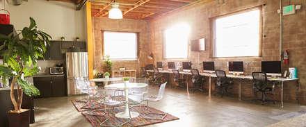 Oficina Valencia: Estudios y despachos de estilo ecléctico de El Mussol Rosa