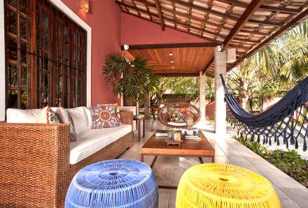 Terrace by  Spelzon Lima Arquitetura e Interiores