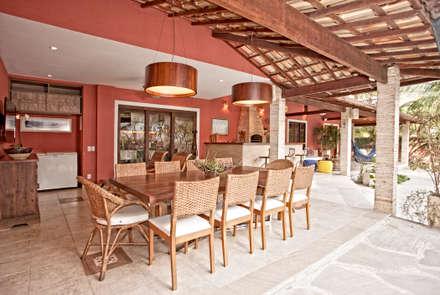 Patios & Decks by  Spelzon Lima Arquitetura e Interiores