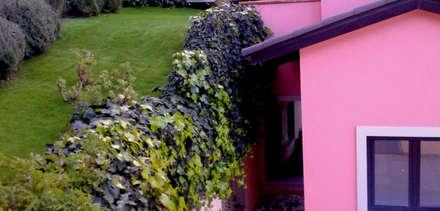 creación de talud con césped artificial. Sant Gervasi. Barcelona: Jardines de estilo clásico de ecojardí