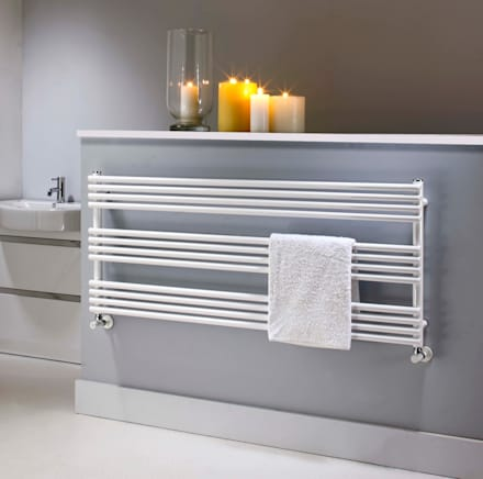 Radiators for small bathrooms: classic Bathroom by Feature Radiators