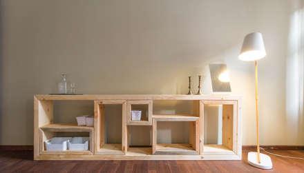 Dormitorios de estilo rústico por woodboom
