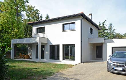 Façade et terrasse: Maisons de style de style Moderne par Pierre Bernard Création