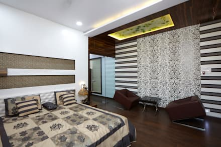 Dr Rafique Mawani's Residence: minimalistic Bedroom by M B M architects