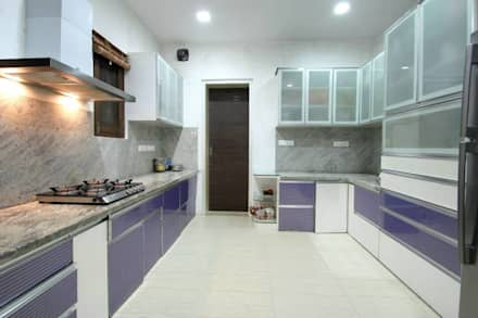 Kitchen: modern Kitchen by Interior Shapes & Designs
