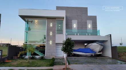 Fachada: Casas modernas por Arquiteta Aline Monteiro
