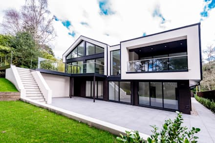 18 Bury Road, Branksome Park: modern Houses by David James Architects & Associates Ltd
