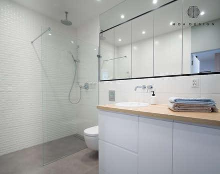 Nadmorski apartament: styl , w kategorii Łazienka zaprojektowany przez MOA design