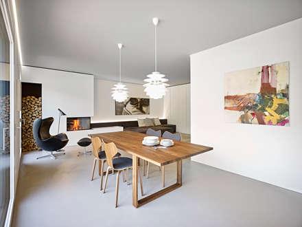appartamento CW: Sala da pranzo in stile in stile Minimalista di Burnazzi  Feltrin  Architects
