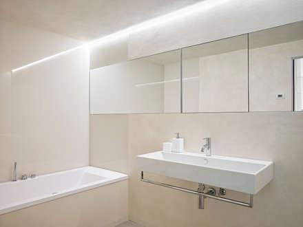 appartamento CW: Bagno in stile in stile Minimalista di Burnazzi  Feltrin  Architects