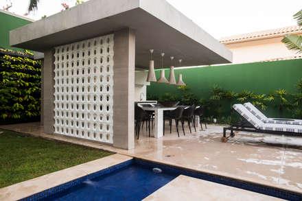 Garages de estilo moderno por Rodrigo Maia Arquitetura + Design