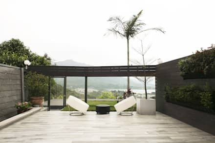 Tycoon Place | Hong Kong: modern Garden by Another Design London Limited