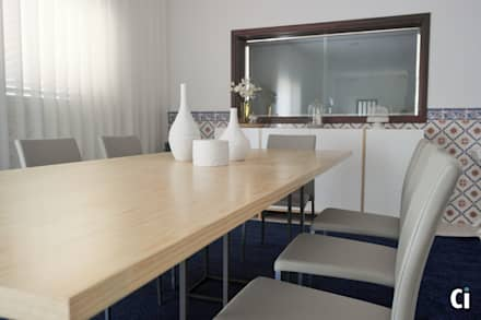 Sala de convívio familiar, 2015 - Braga: Salas de jantar campestres por Ci interior decor