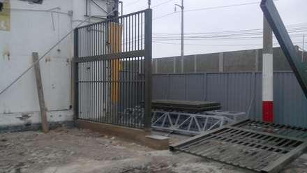 CONTRUCCION DE INGRESO 03 - MINKA CALLAO: Centros comerciales de estilo  por BIANGULO DISEÑO Y CONSTRUCCION S.A.C.