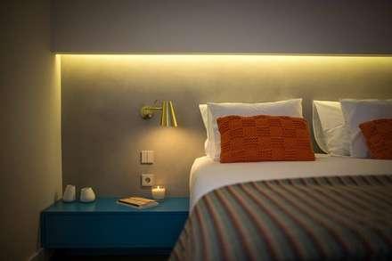 Hoteles de estilo  por 4Udecor Microcimento