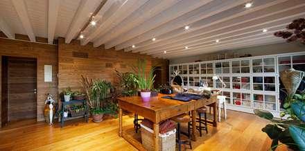 CSL: Studio in stile in stile Eclettico di ALDENA
