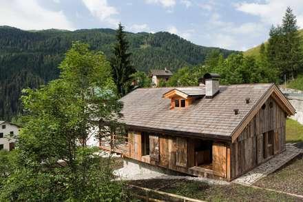 Casas de estilo  por ALDENA
