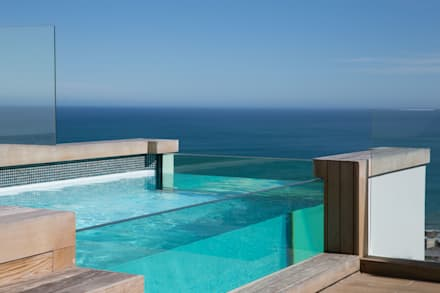 HOUSE  I  ATLANTIC SEABOARD, CAPE TOWN  I  MARVIN FARR ARCHITECTS:  Infinity pool by MARVIN FARR ARCHITECTS