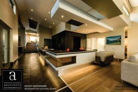House Wolmarans: modern Kitchen by Coetzee Alberts Architects