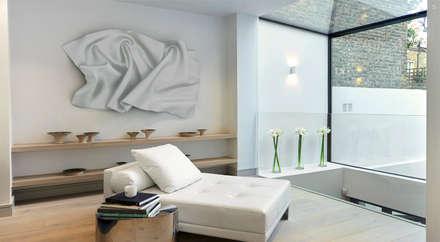 RECEPTION ROOM: modern Living room by Landmass London