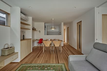 校舎がみえる小さな家: toki Architect design officeが手掛けたダイニングです。
