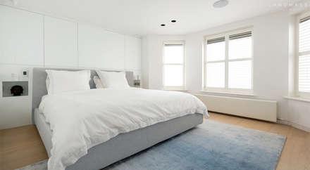 MASTER BEDROOM: scandinavian Bedroom by Landmass London