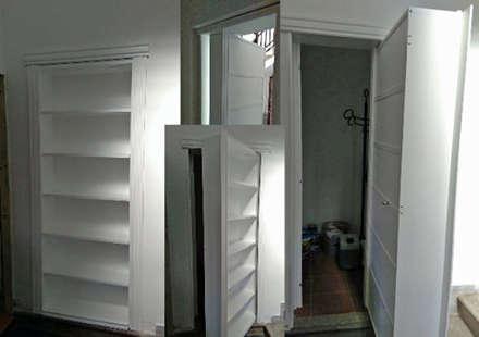 Porta Nascosta: Porte interne in stile  di MP srl