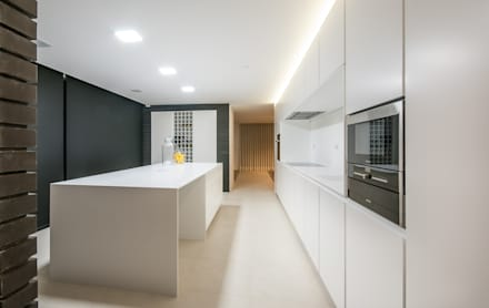 Habitação PM: Cozinhas modernas por ARTEQUITECTOS