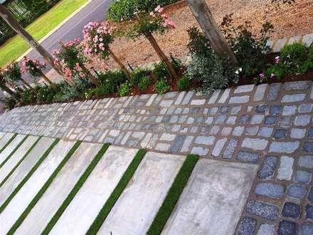 Rietfontein:  Walls by Gorgeous Gardens