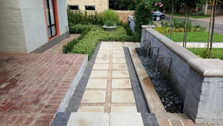 Woodhill:  Walls by Gorgeous Gardens