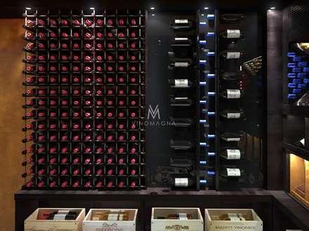 Basement Custom Wine Cellar: classic Wine cellar by Vinomagna - Bespoke Wine cellars