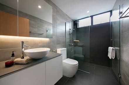 FERNWOOD TOWERS: scandinavian Bathroom by Eightytwo Pte Ltd