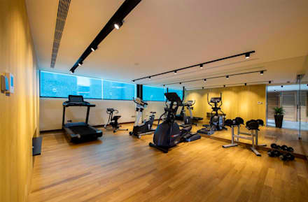 FRANKEL STREET: modern Gym by Eightytwo Pte Ltd