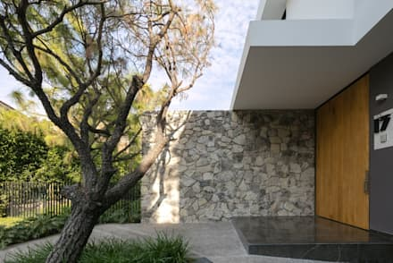 modern Houses by Trama Arquitectos
