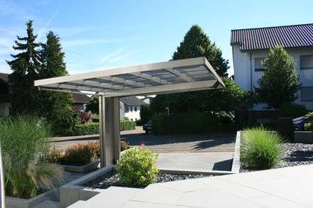 Rückansicht 2: moderne Garage & Schuppen von Deutsche Carportfabrik GmbH & Co. KG