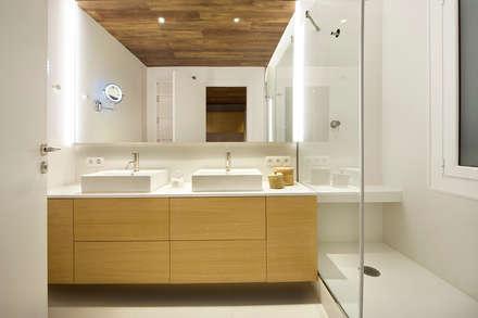 mediterranean Bathroom by Egue y Seta