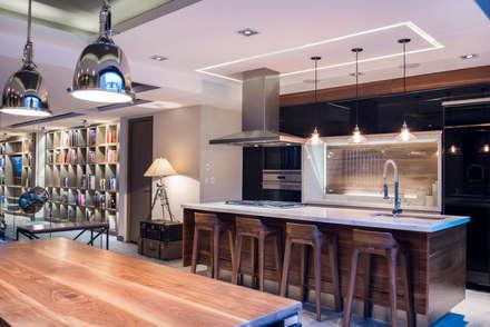 La Fontaine : Cocinas de estilo moderno por Sobrado + Ugalde Arquitectos