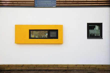 영종도 북 하우스: KDDH Architects의  창문
