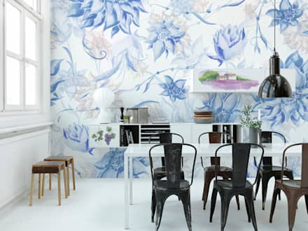 Soft Blue: eclectic Dining room by Pixers