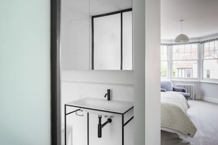 Master Ensuite: Scandinavian Bathroom By DeDraft Ltd