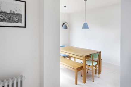 Dining Room: scandinavian Dining room by deDraft Ltd