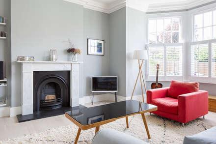 Living Room: scandinavian Living room by deDraft Ltd