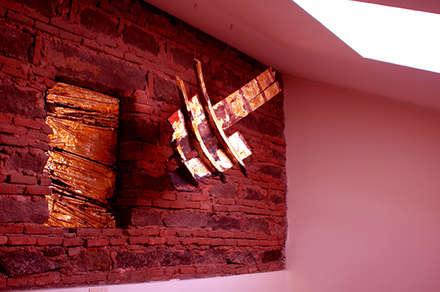 home  lo pat: Sala multimediale in stile  di interiorstudio