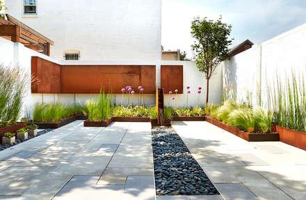Salt + Pepper House: modern Garden by KUBE Architecture