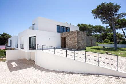 modern Houses by fernando piçarra fotografia