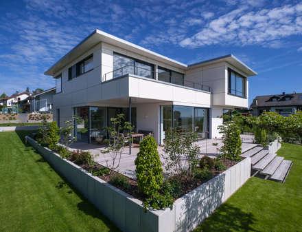 Aussenansicht Bauhaus-Stil:  Einfamilienhaus von KitzlingerHaus GmbH & Co. KG